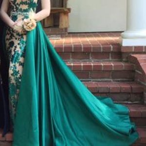 Dresses & Skirts - Emerald green prom dress